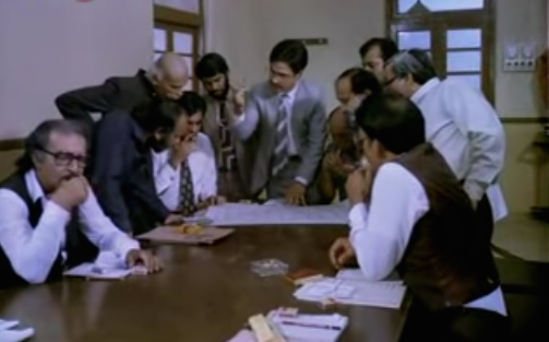It's nearly impossible to match the intensity and the impact of the Hollywood classic <em>12 Angry Men</em>, but Basu Chatterjee manages to create an equally compelling retelling of the courtroom drama with a bevy of brilliant actors and seamlessly transferring the narrative to the Indian milieu.