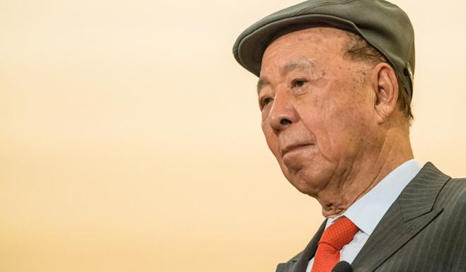 Lui Che-woo noted how China had grown from a backward country to become the world's second-biggest economy. Photo: Bloomberg