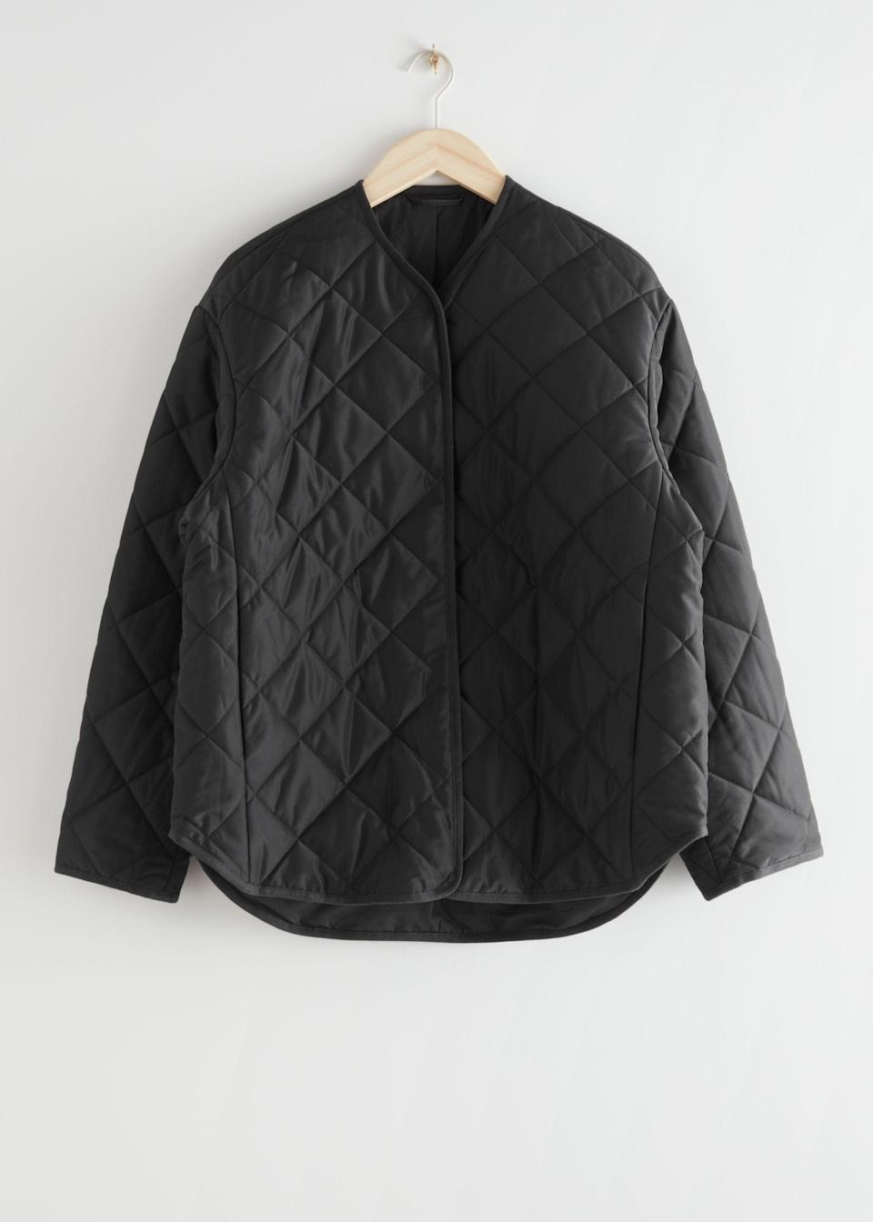 "<br><br><strong>& Other Stories</strong> Oversized Quilted Jacket, $, available at <a href=""https://www.stories.com/en_gbp/clothing/jackets-coats/jackets/product.oversized-quilted-jacket-black.0877992001.html?gclid=Cj0KCQiA4feBBhC9ARIsABp_nbWjUtBVInujBmJmNONeYlItZwnEMsBxXHEtU0Wt5IhVXeEME1tk6CsaAkuuEALw_wcB"" rel=""nofollow noopener"" target=""_blank"" data-ylk=""slk:& Other Stories"" class=""link rapid-noclick-resp"">& Other Stories</a>"