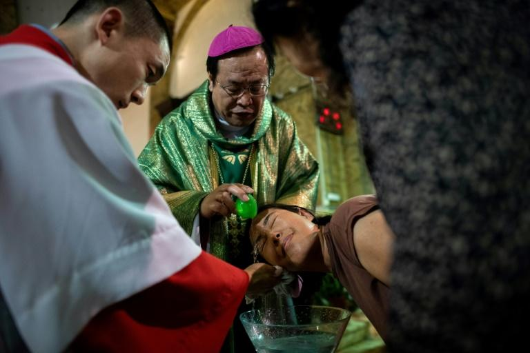 Vatican, China prepare to renew historic deal to US anger