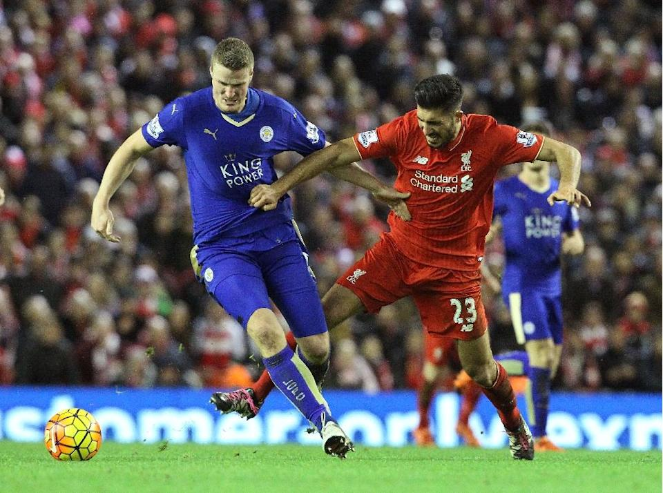 Leicester City's Robert Huth (L) tussles with Liverpool's Emre Can during their match in Liverpool, England on December 26, 2015 (AFP Photo/Lindsey Parnaby)