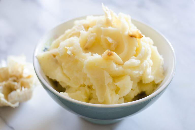 "<p>Elevate regular mashed spuds by throwing roasted garlic into the mix.</p><p><strong><a href=""https://www.thepioneerwoman.com/food-cooking/cooking-tips-tutorials/a80634/thanksgiving-dinner-5-ways-to-elevate-mashed-potatoes/"" rel=""nofollow noopener"" target=""_blank"" data-ylk=""slk:Get the recipe."" class=""link rapid-noclick-resp"">Get the recipe.</a></strong></p><p><strong><a class=""link rapid-noclick-resp"" href=""https://go.redirectingat.com?id=74968X1596630&url=https%3A%2F%2Fwww.walmart.com%2Fbrowse%2Fhome%2Ffood-prep%2F4044_623679_133020_642199%3Ffacet%3Dbrand%253AThe%2BPioneer%2BWoman&sref=https%3A%2F%2Fwww.thepioneerwoman.com%2Ffood-cooking%2Fmeals-menus%2Fg33251890%2Fbest-thanksgiving-sides%2F"" rel=""nofollow noopener"" target=""_blank"" data-ylk=""slk:SHOP MIXING BOWLS"">SHOP MIXING BOWLS</a><br></strong></p>"