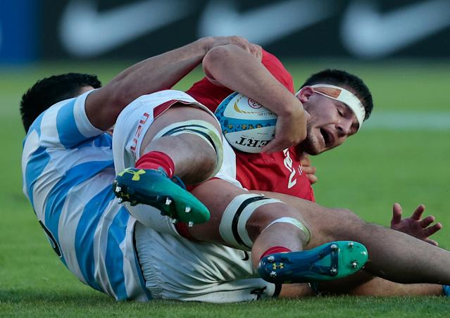 Rugby Union - June Internationals - Argentina v Wales - Brigadier General Estanislao Lopez Stadium, Santa Fe, Argentina - June 16, 2018 - Wales' Ellis Jenkins and Argentina's Nahuel Tetaz Chaparro in action. REUTERS/Diego Lima