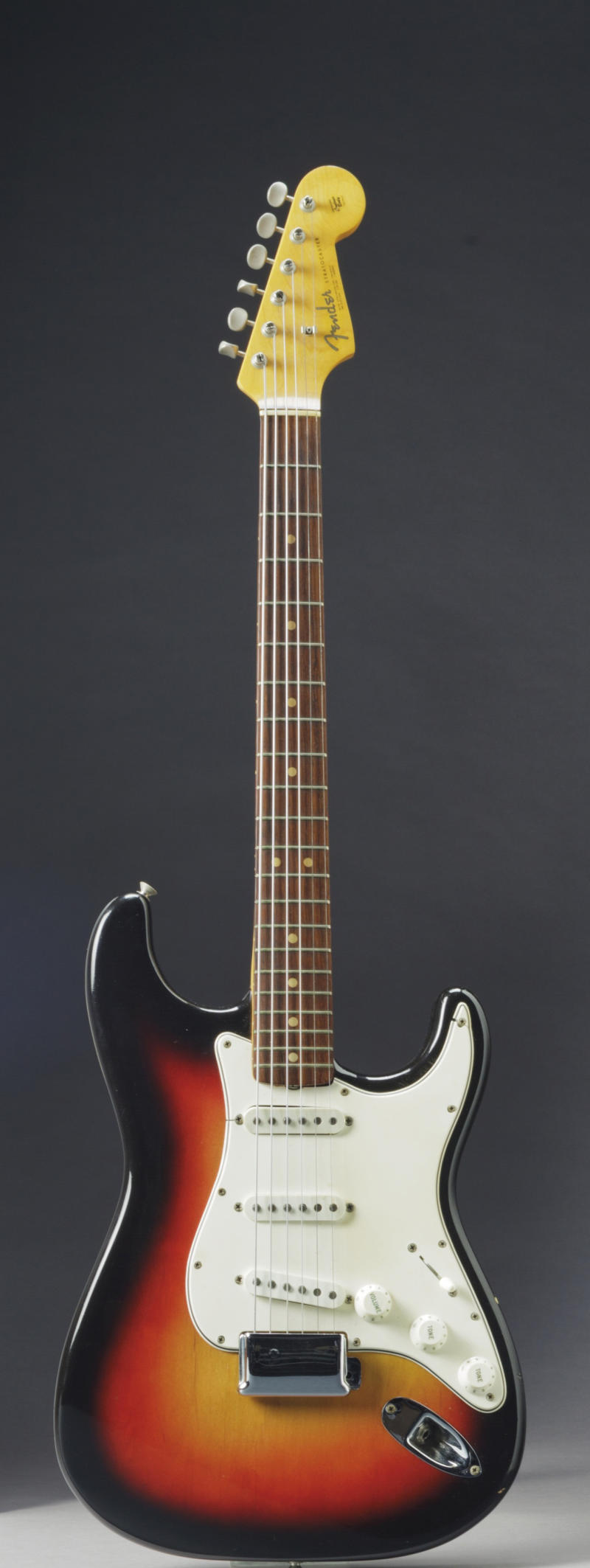 AP: Dylan's Newport guitar to be auctioned in NYC