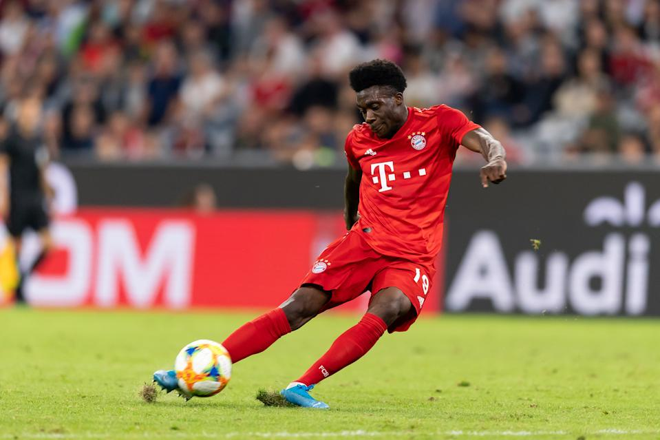 MUNICH, GERMANY - JULY 31: Alphonso Davies of FC Bayern Muenchen controls the ball during the Audi cup 2019 final match between Tottenham Hotspur and Bayern Muenchen at Allianz Arena on July 31, 2019 in Munich, Germany. (Photo by TF-Images/Getty Images)