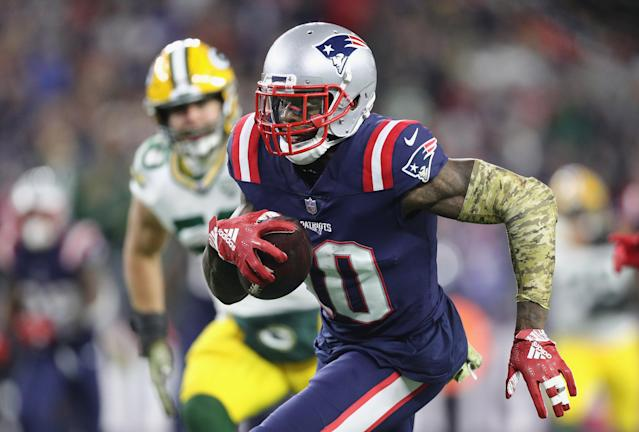In a statement, Patriots receiver Josh Gordon said he only wants to focus on the present. (Getty Images)