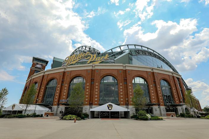 """The <a class=""""link rapid-noclick-resp"""" href=""""/mlb/teams/milwaukee/"""" data-ylk=""""slk:Milwaukee Brewers"""">Milwaukee Brewers</a> joined the Milwaukee Brewers in protesting the shooting of Jacob Blake. (Photo by Dylan Buell/Getty Images)"""