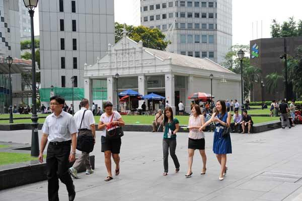 Selfish interests may have divided Singaporeans. (Yahoo! photo)