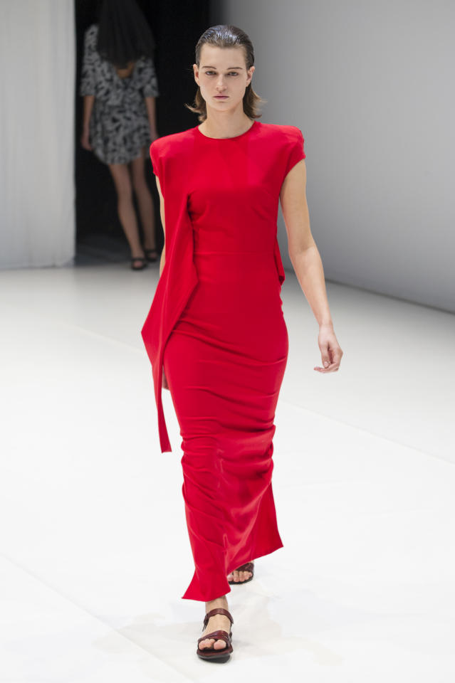 <p><i>Model wears a crimson-red dress. (Photo: ImaxTree) </i></p>