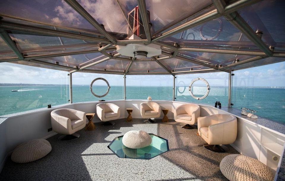 <p>Not all lighthouses are dark and narrow on the inside. This spacious spot on a private island out of Portsmouth in the UK, has been converted into a swanky hotel. </p>