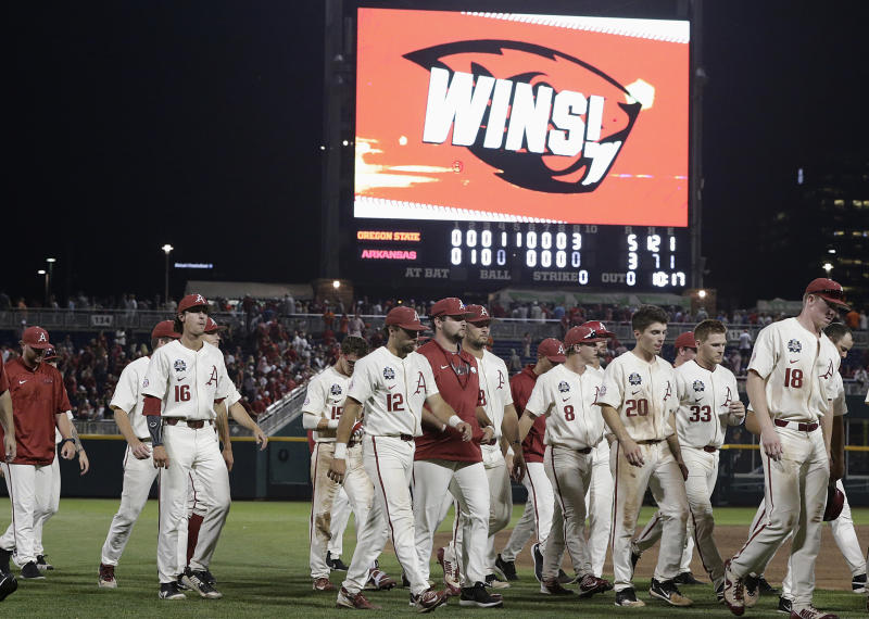 8bdc8306031 History is against Arkansas after College World Series gaffe