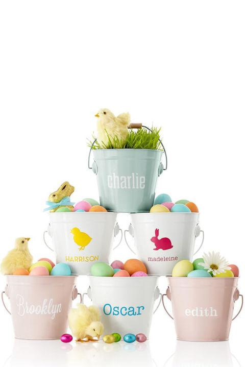 """<p>(<em>$35,</em><a rel=""""nofollow"""" href=""""http://www.markandgraham.com/products/enamel-bucket-monogrammed-personalized""""><em>markandgraham.com</em></a>)<br><br><span></span></p><p><span>There's no confusion here. Deckoutenamel pailswith aname, monogram oreven a cute critter.</span></p>"""