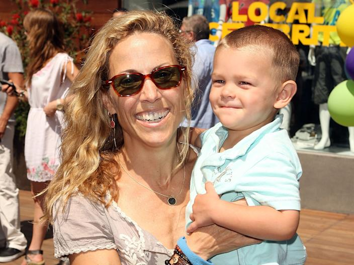 sheryl crow adopted son