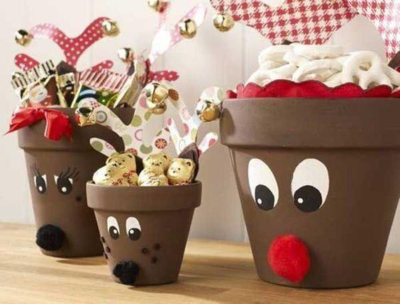 "Put it under the tree after, or fill it with snacks on Christmas morning. Learn how to make it at <a href=""https://www.bargainmoose.ca/guides/diy-cute-clay-pot-reindeer-238429"" target=""_blank"" rel=""noopener noreferrer"">Bargain Moose</a>."