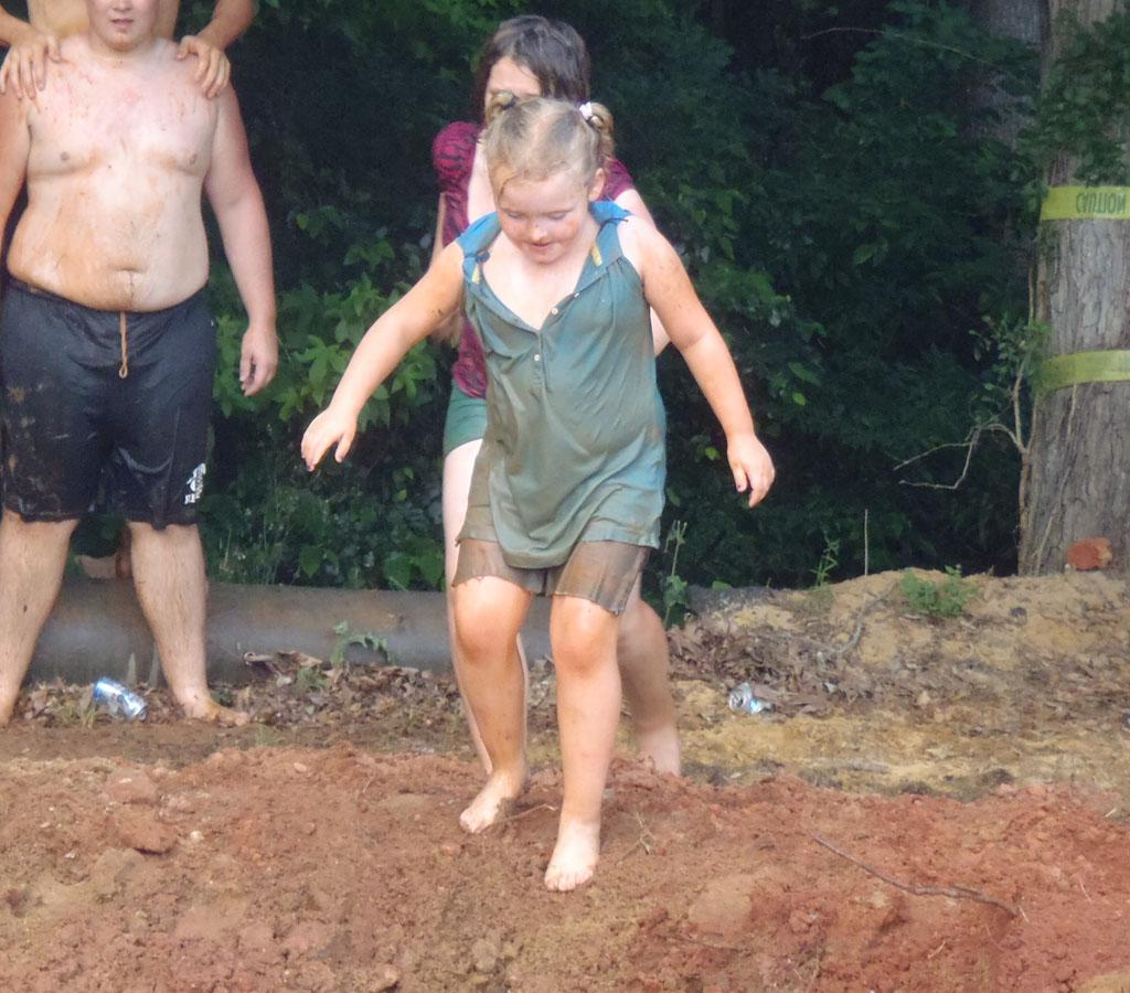 Alana (Honey Boo Boo) gets muddy at the Summer Redneck Games.