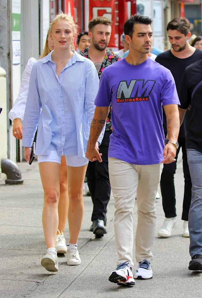 """<h1 class=""""title"""">Joe Jonas and Sophie Turner in New York</h1> <cite class=""""credit"""">Mike Reed/ACE Pictures/Shutterstock</cite>"""