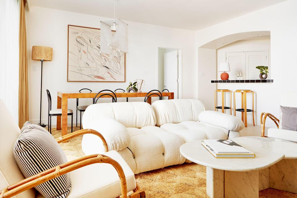 """<p>Maybe you're moving into a new home, maybe interior re-decorating <a href=""""https://www.elledecor.com/design-decorate/"""" rel=""""nofollow noopener"""" target=""""_blank"""" data-ylk=""""slk:inspiration"""" class=""""link rapid-noclick-resp"""">inspiration</a> has struck. Whatever's leading you to search for new furniture, some of the sharpest leather sofas and versatile lighting are hiding in plain sight. Not at an antique store or an obscure furniture site, but on Amazon. </p><p>After scouring through Amazon's many (many) furniture listings, we've found the sofas, side tables, and shelving units that come with elevated design features and hundreds of five-star reviews. Standouts include a mid-century leather <a href=""""https://www.elledecor.com/design-decorate/trends/g36041119/2021-sofa-trends/"""" rel=""""nofollow noopener"""" target=""""_blank"""" data-ylk=""""slk:sofa"""" class=""""link rapid-noclick-resp"""">sofa</a> for your living room, weather-resistant outdoor seating for the back patio, and desks fit for any home office. No matter the size of your space or the way you like to decorate, the best furniture on Amazon can complete any room in your home.</p>"""