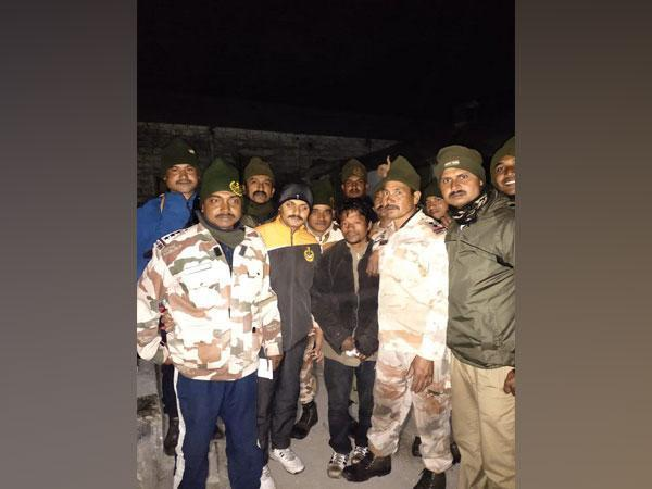 Rescued local with ITBP jawans in Sikkim (Photo/ANI)