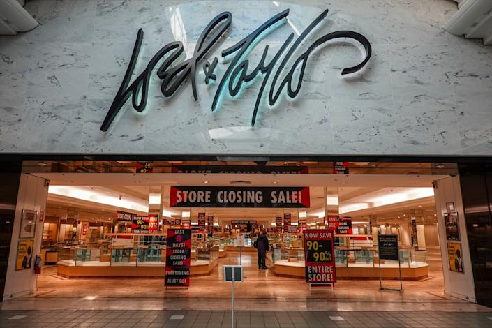 Lord and Taylor store with closing sale sign