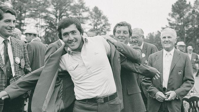 Ballesteros Zoeller Severiano Ballesteros, winner of the 1980 Masters title at the Augusta National Golf Club, receives the Green Coat from last year's winner, Fuzzy ZoellerMASTERS BALLESTEROS 1980, AUGUSTA, USA.