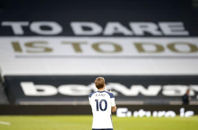 Harry Kane gave a lap of honour at the end of the game against Aston Villa