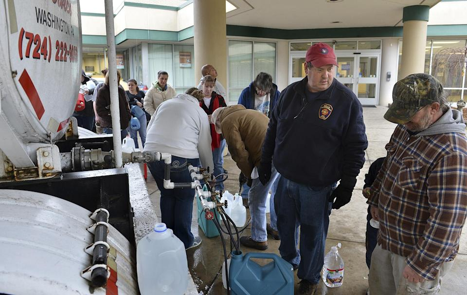 West Virginia chemical spill triggers tap water ban