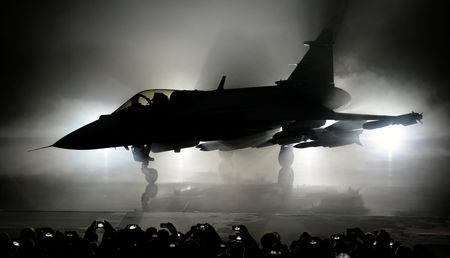 FILE PHOTO: The new E version of the Swedish JAS 39 Gripen multirole fighter was rolled out at the SAAB in Linkoping, Sweden, May 18, 2016. Anders Wiklund/TT News Agency via Reuters /File Photo