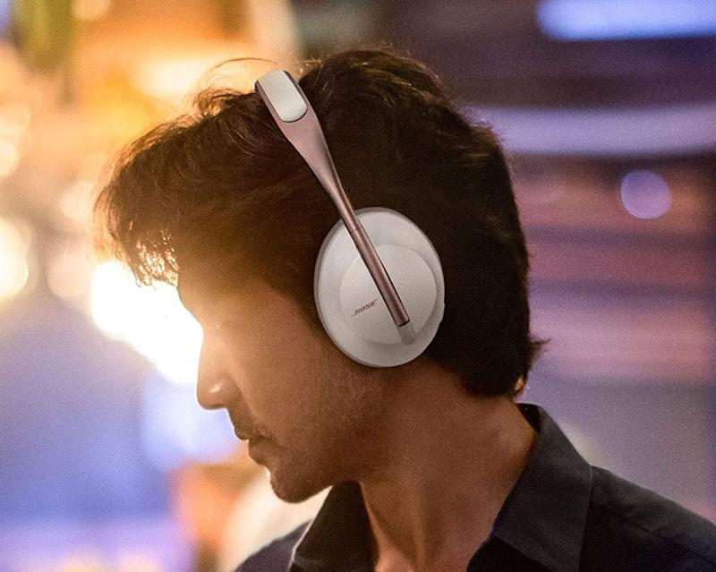 The Bose Noise Cancelling 700 Headphones feature 10 noise-cancelling levels, and are $100 off their normal price. (Image: Bose)