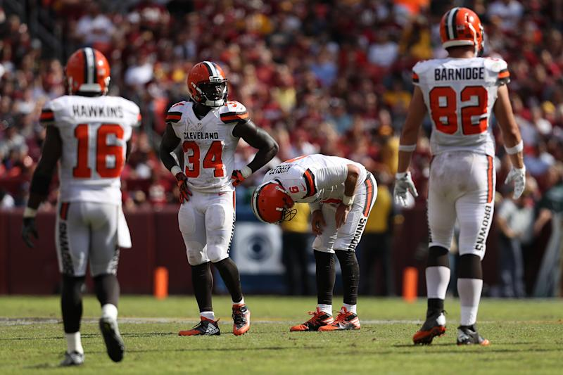 Officials make embarrassing call in Browns-Redskins game