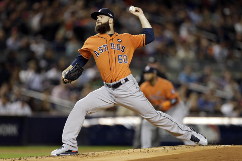 Oct 6, 2015; Bronx, NY, USA; Houston Astros starting pitcher Dallas Keuchel (60) throws against the New York Yankees during the first inning in the American League Wild Card playoff baseball game at Yankee Stadium. Mandatory Credit: Adam Hunger-USA TODAY Sports
