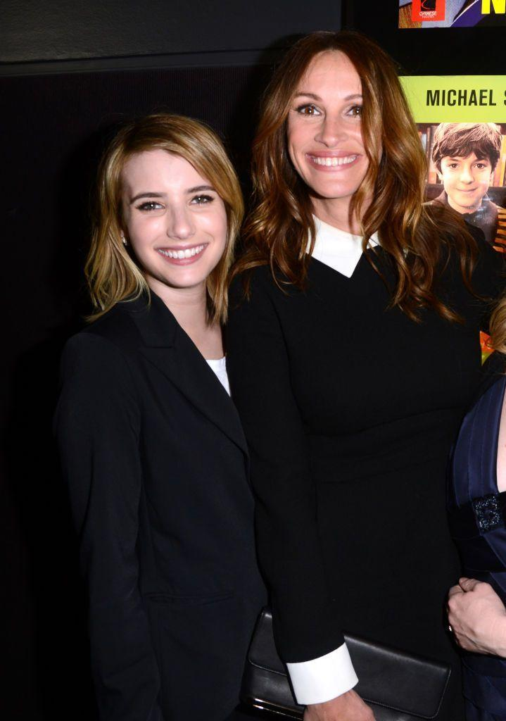 <p>It's no coincidence that these two share a last name. Julia Roberts is the aunt of Emma Roberts. (Emma's father is Julia's brother, Eric Roberts!)</p>