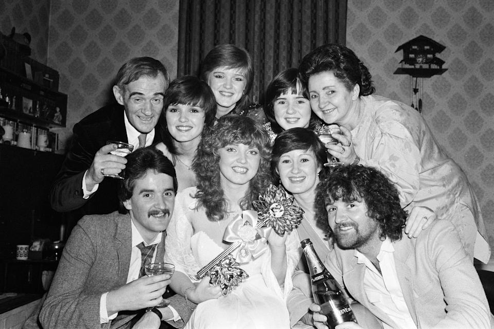 Linda Nolan celebrates her 21st birthday at home in Ilford with her family, parents Tommy and Maureen, sisters Maureen, Bernie, Coleen and Denise and brothers Tommy and Brian. 24th February 1980. (Photo by Ron Burton/Mirrorpix via Getty Images)