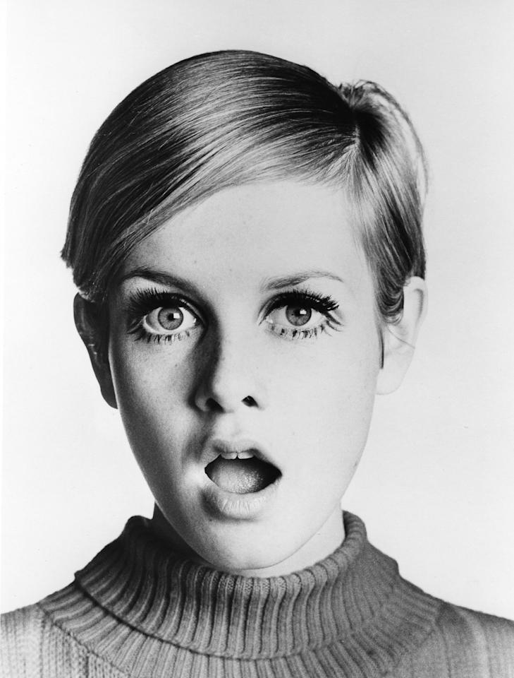 Twiggy's sideswept pixie transforms her into an overnight sensation.