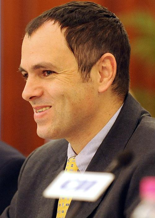<b>Omar Abdullah:</b> Chief Minister of Jammu and Kashmir and the scion of one of the state's most prominent political families, Omar Abullah has a clear understanding of what suits him best. He carries himself extremely well and is always seen in his pathani kurtas and safari suits.