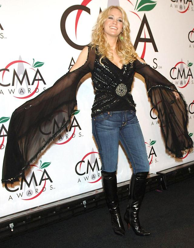 Carrie Underwood, presenter Vocal Group of the Year (Photo by Jeff Kravitz/FilmMagic, Inc for Country Music Association)