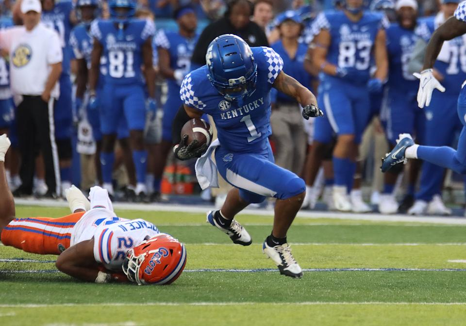 Kentucky WR Wan'Dale Robinson (1) broke more than one tackle against Florida last week. (Photo by Jeff Moreland/Icon Sportswire via Getty Images)