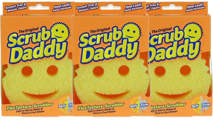 This smiley sponge helps your dishes sparkle.
