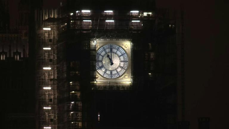 Big Ben strikes 11pm as UK officially leaves the EU's single market