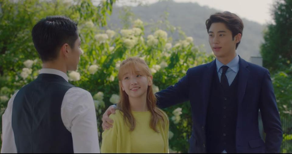 The love triangle starts to form as Won Hae Hyo (Byun Woo Seok, right) grabs Ahn Jeong Ha (Park So Dam, middle) in front of Sa Hye Jun (Park Bo Gum).