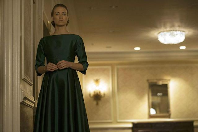 Yvonne Strahovski as Serena Joy in <em>The Handmaid's Tale.</em> (Photo: George Kraychyk/Hulu)
