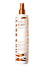 """<p><strong>Mizani</strong></p><p>sephora.com</p><p><strong>$35.00</strong></p><p><a href=""""https://go.redirectingat.com?id=74968X1596630&url=https%3A%2F%2Fwww.sephora.com%2Fproduct%2Fmizani-25-miracle-milk-leave-in-conditioner-P455850&sref=https%3A%2F%2Fwww.cosmopolitan.com%2Fstyle-beauty%2Fbeauty%2Fg36027428%2Fbest-detanglers-for-curly-hair%2F"""" rel=""""nofollow noopener"""" target=""""_blank"""" data-ylk=""""slk:Shop Now"""" class=""""link rapid-noclick-resp"""">Shop Now</a></p><p>PSA: <a href=""""https://www.cosmopolitan.com/style-beauty/beauty/g26132600/heat-protection-hair-spray/"""" rel=""""nofollow noopener"""" target=""""_blank"""" data-ylk=""""slk:Heat protectant"""" class=""""link rapid-noclick-resp"""">Heat protectant</a> is nonnegotiable for <em>any</em> heat styling (that includes blow-drying and diffusing, y'all!). That's what makes this multi-tasking detangler so great—all you need is a few spritzes and the hydrating formula will <strong>help you easily comb through knots and tangles </strong>while also prepping your curls for hot tools. A true win-win.</p>"""