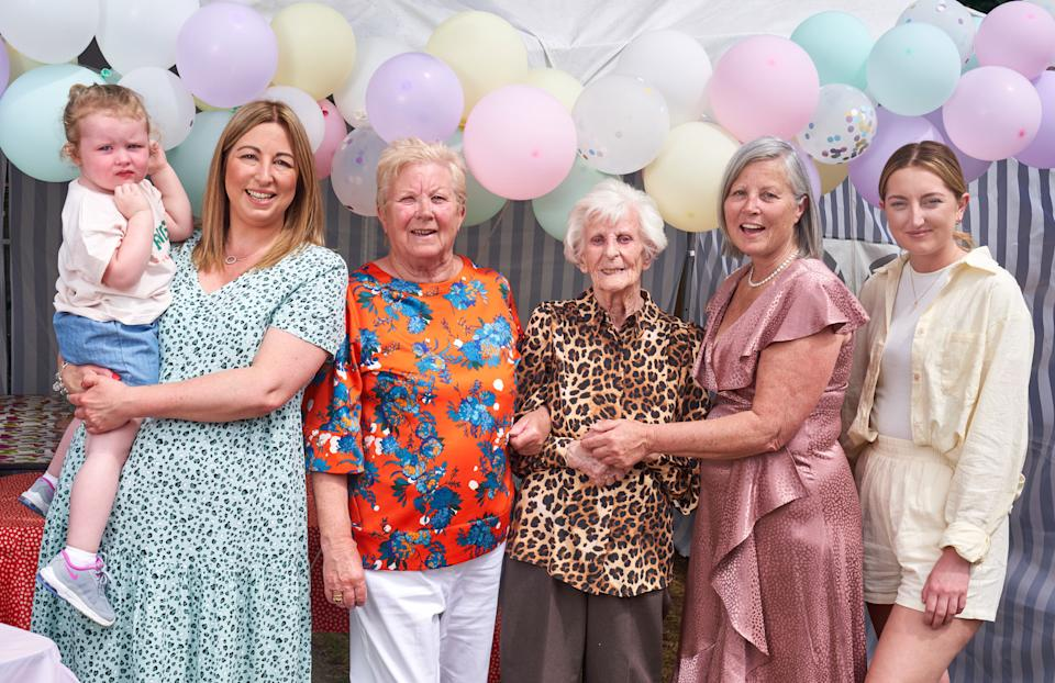 Six generations of women in the same family are celebrating their great-great-great grandmother's 100th birthday. L-R Joanne holding Amelia, Carol, Rose, Sarah and Sophie. (Caters)