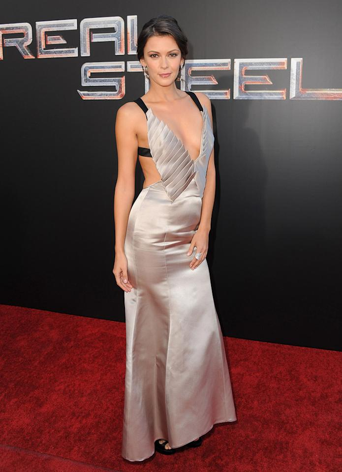 "<a href=""http://movies.yahoo.com/movie/contributor/1810163925"">Olga Fonda</a> at the Los Angeles premiere of <a href=""http://movies.yahoo.com/movie/1810130487/info"">Real Steel</a> on October 2, 2011."