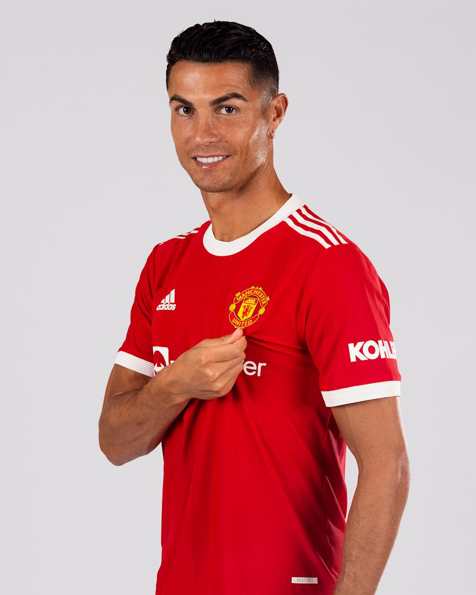 LISBON, PORTUGAL - AUGUST 31: (EXCLUSIVE COVERAGE) Cristiano Ronaldo of Manchester United poses after signing for the club on August 31, 2021 in Lisbon, Portugal. (Photo by Manchester United/Manchester United via Getty Images)