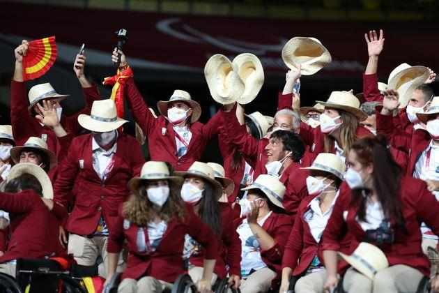 Athletes from Team Spain take part in the parade of athletes during the opening ceremony of the Tokyo 2020 Paralympic Games. (Photo: Lintao Zhang via Getty Images)