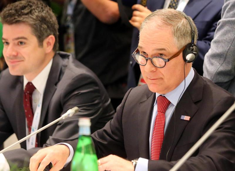 US official makes brief appearance at G7 environment summit