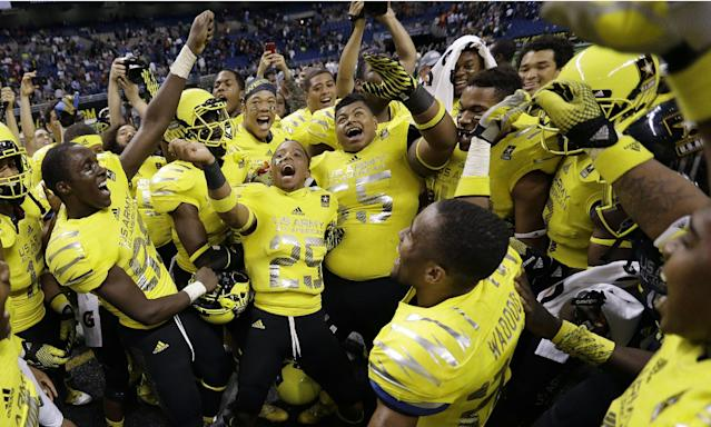 U.S. Army All-American West players celebrate their win in the U.S. Army All-American Bowl football game, Saturday, Jan. 4, 2014, in San Antonio. West defeated the East 28-6. (AP Photo/Eric Gay)