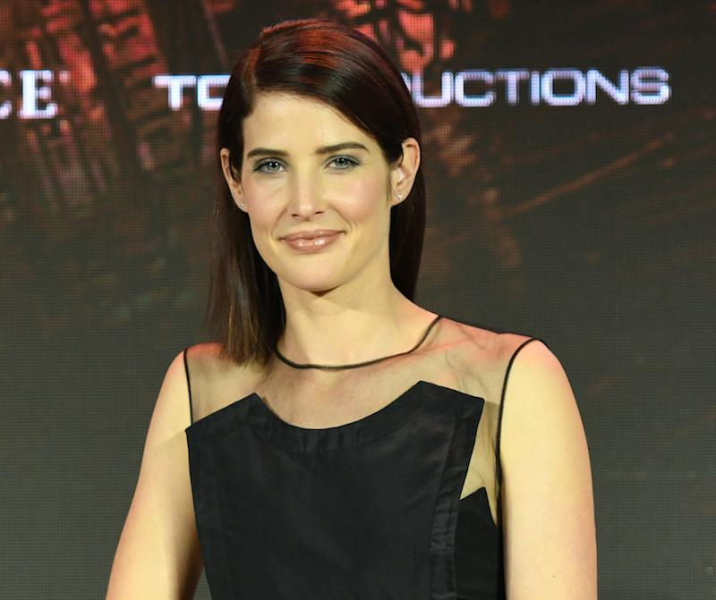 "Cobie Smulders looks like a mod sunflower at the ""Jack Reacher"" premiere"