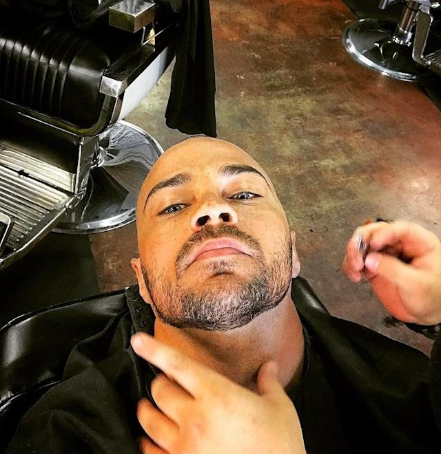 "<p>The <em>Grey's Anatomy</em> hunk shared a pic of himself right before he was about to get a straight razor shave. ""<span title=""Edited"">issa slice,"" Williams captioned the shot. </span>(Photo: <a href=""https://www.instagram.com/p/BUcofm0h478/"" rel=""nofollow noopener"" target=""_blank"" data-ylk=""slk:Jesse Williams via Instagram"" class=""link rapid-noclick-resp"">Jesse Williams via Instagram</a>) </p>"