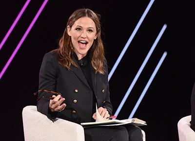 Jennifer Garner finds it hard to get parents to stay at home